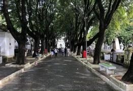 """NINJA NA REDE! Em visita a cemitério, vereador de João Pessoa manda recado: """"Esse é o caminho de todos, ricos e pobres"""""""