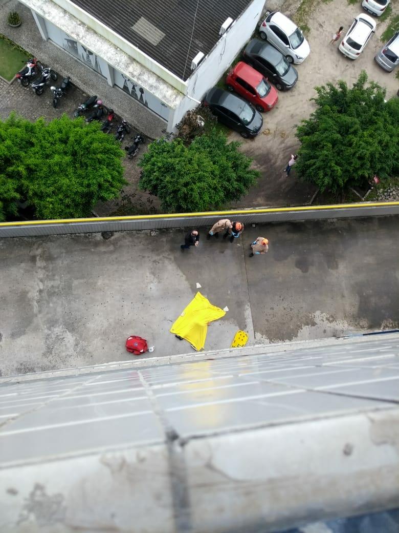 WhatsApp Image 2018 06 11 at 8.46.36 AM - TRAGÉDIA: Rapaz cai do décimo andar de faculdade em João Pessoa