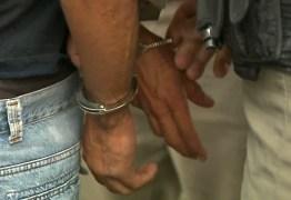 Homem tenta assaltar ônibus e é detido por passageiro, em João Pessoa