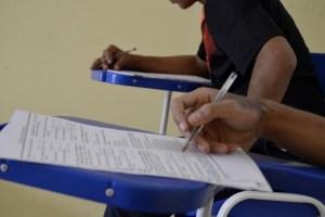 concursos e enem novas 6 1 300x200 - Prefeitura paraibana encerra inscrições de concurso com salários de até R$ 8 mil nesta segunda (12)
