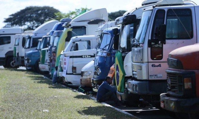 greve dos caminhoneiros - VAI PARAR TUDO? Governo Temer sofre de falta de expectativas para último semestre