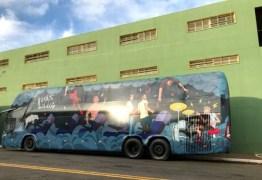 Ônibus do cantor Lucas Lucco é assaltado no Triângulo Mineiro