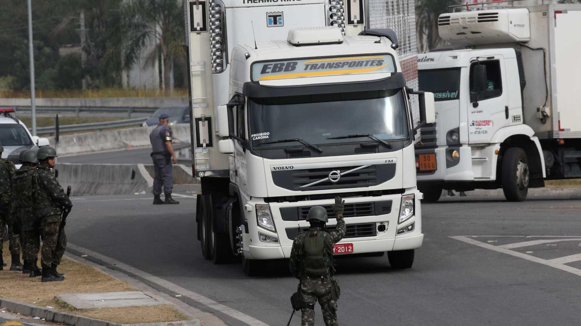 naom 5b13c78e40f2d - Governo produz vídeos para negar nova greve de caminhoneiros