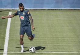 Volante artilheiro, Paulinho vira o quinto elemento da seleção brasileira