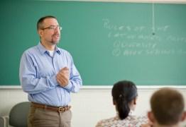 IFPB e UFCG abrem vagas para professor com salário de até R$ 3 mil