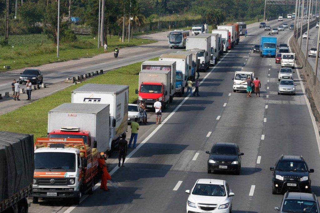 tnrgo abr2505182894 1 1024x683 - Greve dos caminhoneiros custará R$ 15 bilhões para a economia