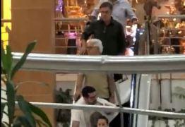 Sem causar efeito: Cássio passa despercebido em  Shopping de Campina Grande – VEJA VÍDEO