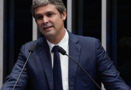 "Senador que nasceu na Paraíba volta a ficar na ""berlinda"" no noticiário"