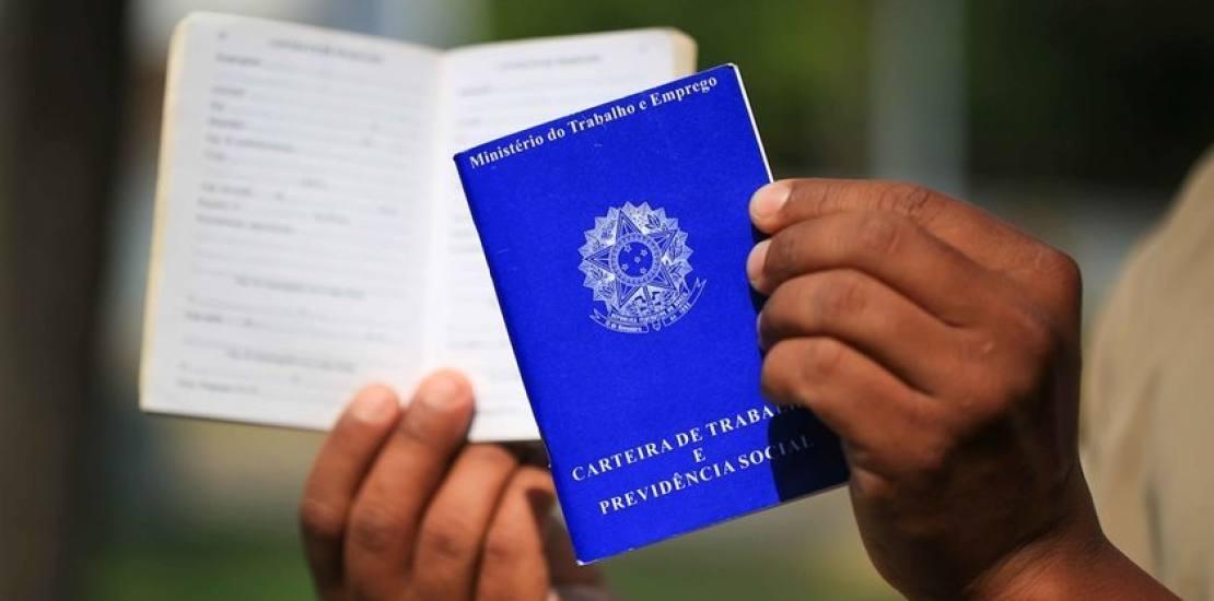 carteiras de trabalho poderao ser emitidas em agencias dos correios - Com crise, emprego temporário se torna única opção