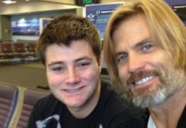 Filho de ator tenta se matar enforcado e mãe lamenta na web