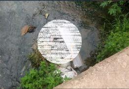 Corpo de homem é encontrado com mãos amarradas e na lama, em Mangabeira