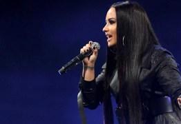 Após sofrer ataque de fãs, dançarina de Demi Lovato comenta internação
