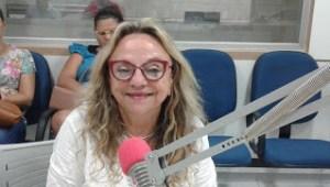 dra paula primeira dama 300x170 - Prefeitura de Cajazeiras entrega 12 veículos ao município, Adquiridos na gestão da ex-secretária de saúde Dra. Paula