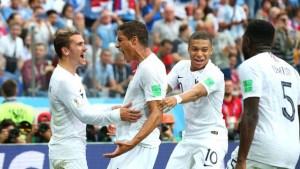gettyimages 992683708 300x169 - VEJA VÍDEO: Apesar de insetos e frango, França elimina Uruguai e avança para semi-final