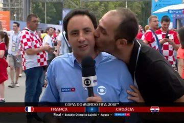 pedro bassan beijo 910x512 - Repórter da Globo é beijado por um homem ao vivo durante cobertura da final
