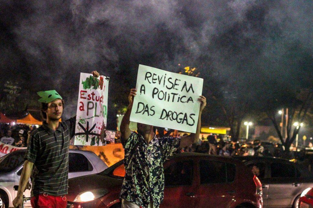 politicadrogas - NÃO É SÓ MACONHA: A importância da luta pela legalização de todas as drogas - VEJA VÍDEO