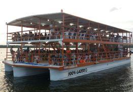 TRAGÉDIA: Barco vira e deixa 49 turistas desaparecidos