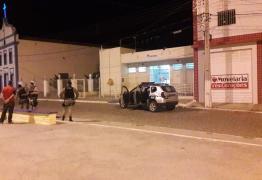 Bandidos arrombam agência dos Correios da cidade de Taperoá
