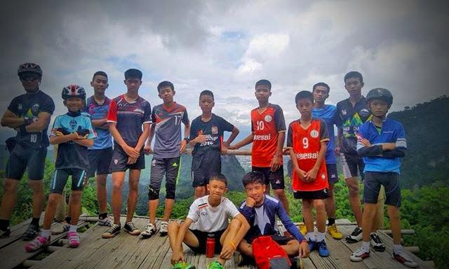 time 1 - Saiba como a meditação budista manteve os garotos tailandeses calmos na caverna