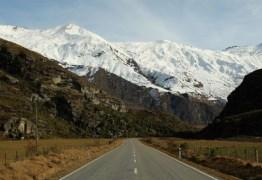 Alpinista sobrevive após ficar 7 dias preso em montanha ao cavar esconderijo na neve