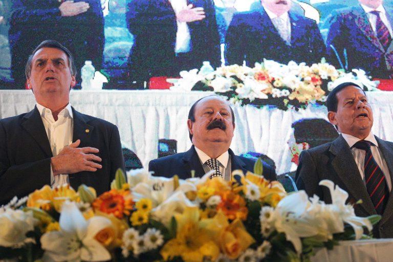 11978507 high 768x512 - Levy Fidelix desiste de tentar Presidência e apoia Bolsonaro