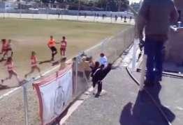 VEJA VÍDEO: Jogadoras trocam empurrões e socos em jogo do futebol argentino