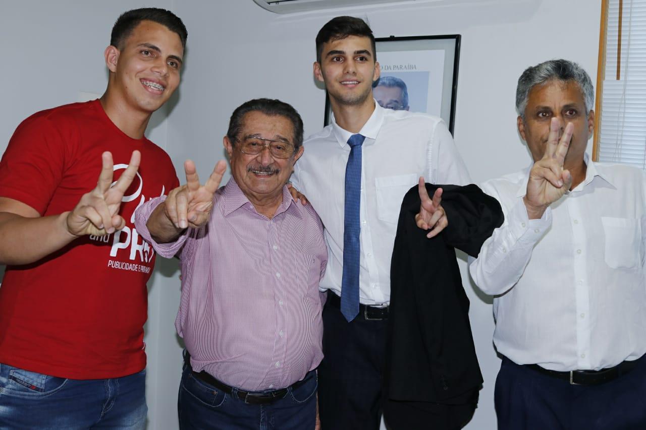 Roger - Maranhão recebe apoios de prefeito de Olho D'Água e ex-prefeitos de Areia e Lagoa de Dentro