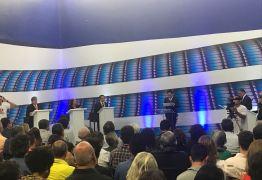 DEBATE MASTER: 1º bloco tem embate entre candidatos e desafio de João Azevedo a Tárcio Teixeira