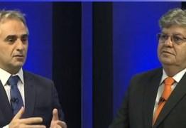 DEBATE NA ARAPUAN: candidatos partem para o 'mano a mano' com troca de farpas entre Lucélio e João