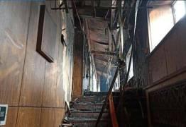Dono de hotel é preso após incêndio que matou 19 pessoas