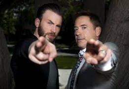 Robert Downey Jr. deu carro estilizado do Capitão América para Chris Evans