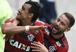 Fla bate Cruzeiro e segue na cola do líder São Paulo