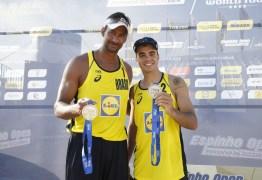 Vice-campeões mundiais em 2013, Ricardo e Álvaro voltam a formar dupla nas areias