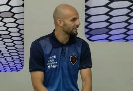 Capitão do Botafogo-PB compara ansiedade para o mata-mata à sua estreia como profissional