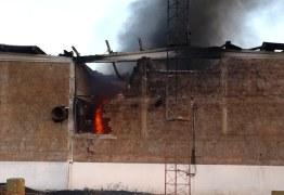 Incêndio atinge galpões de materiais recicláveis em João Pessoa