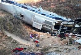 Corpos de paraibanos mortos em acidente na BR-146 em Minas Gerais chegam à PB