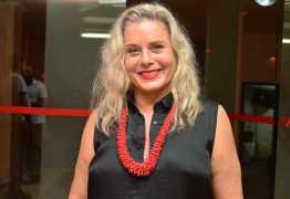 De volta à TV, Vera Fischer diz que se recusa a fazer cirurgia plástica