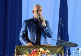 VEJA VÍDEO: Pastor Junior Trovão diz que aplicativo Uber 'entrega vidas ao Diabo'