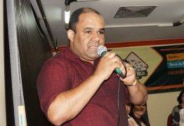 Prefeito de Alagoinha encaminha carta renúncia para a Câmara; confira