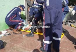 Casal reage à tentativa de furto de moto e é espancado por bandidos em JP