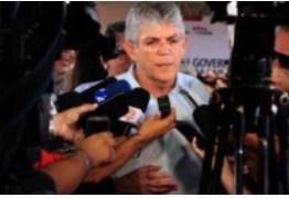 """RC ressalta ser contra a facilitação do armamento e sentencia: """"Se arma resolvesse, o Brasil era o paraíso"""""""