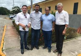 API e Amidi visitam radialista Fabiano Gomes no PB1