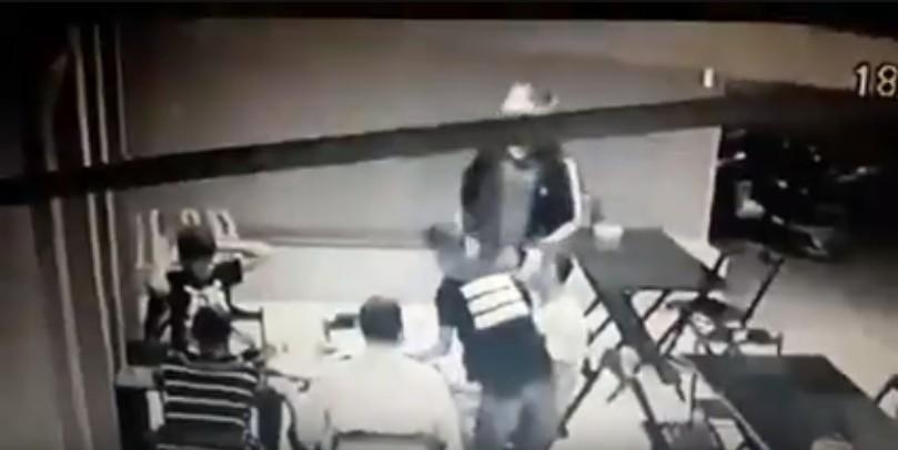 Capturar 51 - Homem reage a assalto em pizzaria de João Pessoa e acaba baleado por bandido - VEJA VÍDEO