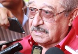 José Maranhão recebe lideranças políticas em Campina Grande