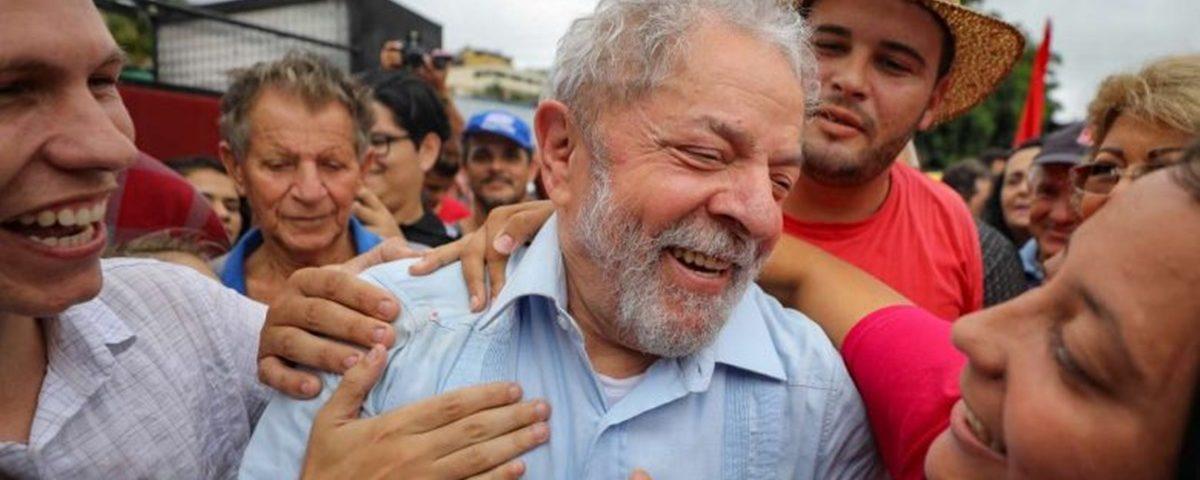 Lula 2 1200x480 - Prisão do ex-presidente Lula completará um ano, sob pressão