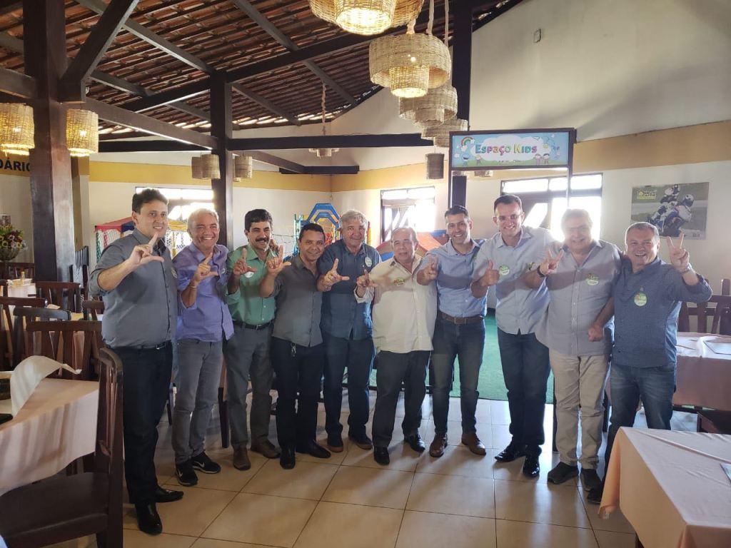 WhatsApp Image 2018 09 05 at 18.52.35 1024x768 - Leonardo Gadelha recebe apoio de vereadores de Campina Grande