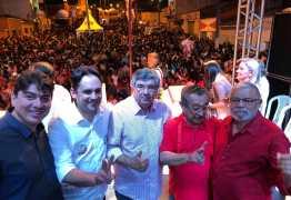 Roberto Paulino participa de missa em Arara e recebe adesões