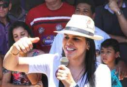 Rafaela Camaraense usa redes sociais para divulgar compromissos de mandato na área de educação e segurança
