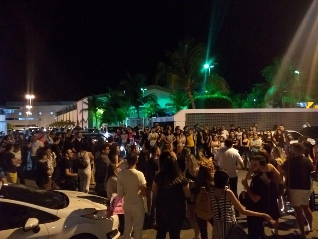 WhatsApp Image 2018 09 29 at 12.05.58 1 - ELAS SIM! Estudantes saem às ruas contra demissão de professoras da FIP que aderiram ao movimento #ELENÃO - VEJA VÍDEOS