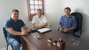 aab1a035 b572 4214 be34 b0b3f79a7517 300x169 - Vice-prefeito e vereador de Queimadas anunciam apoio a Lucélio e Micheline
